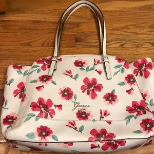Guess Floral 🌺🌸Tote LIKE NEW